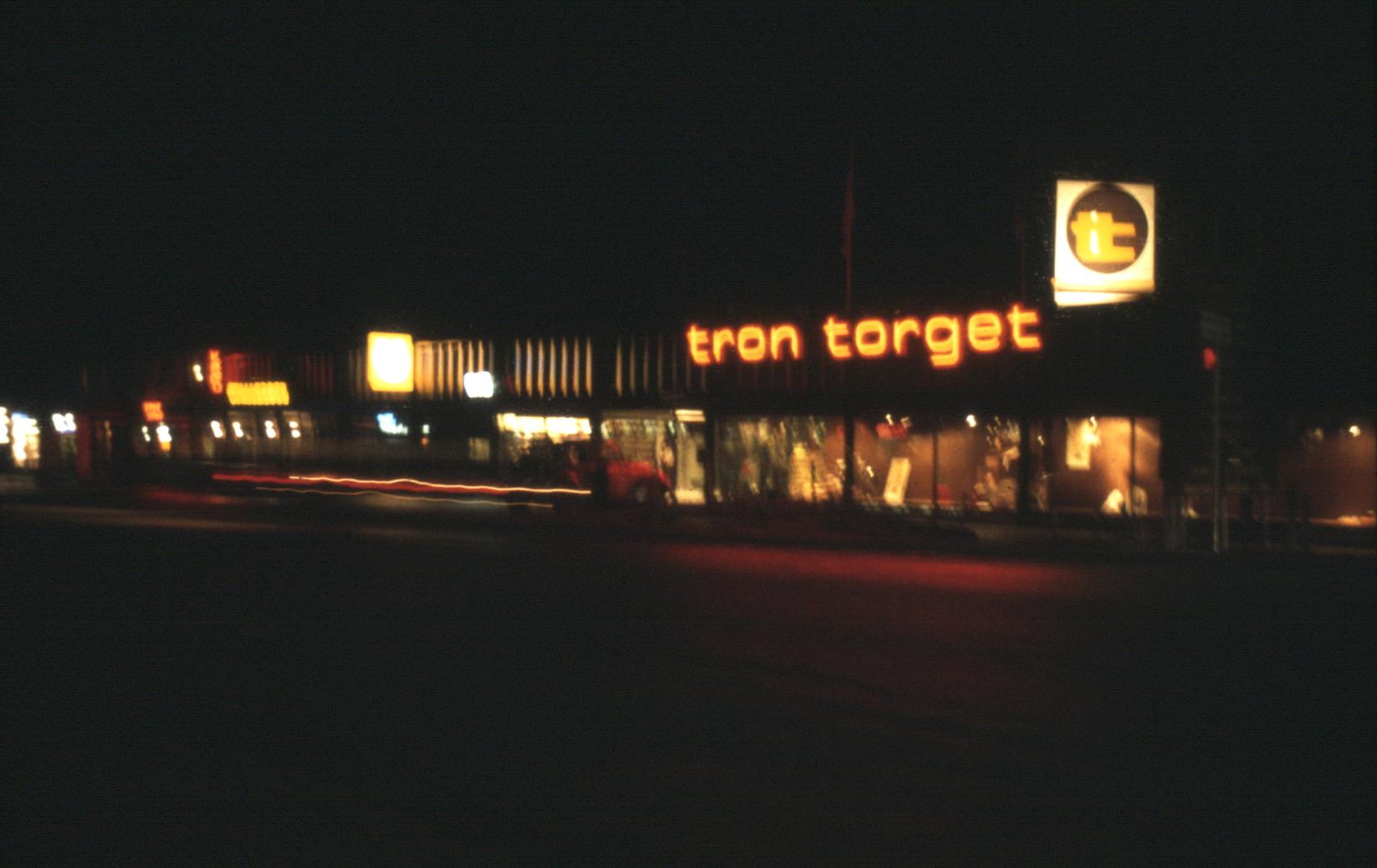 tt-night-80